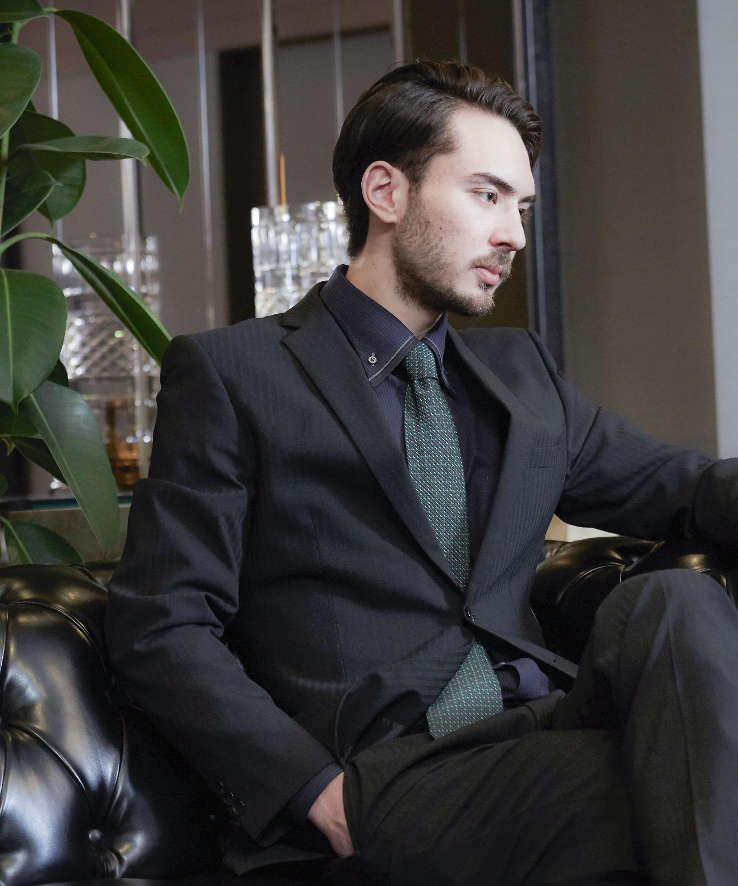 髭との相性を考えつくした精悍ビジネスショート